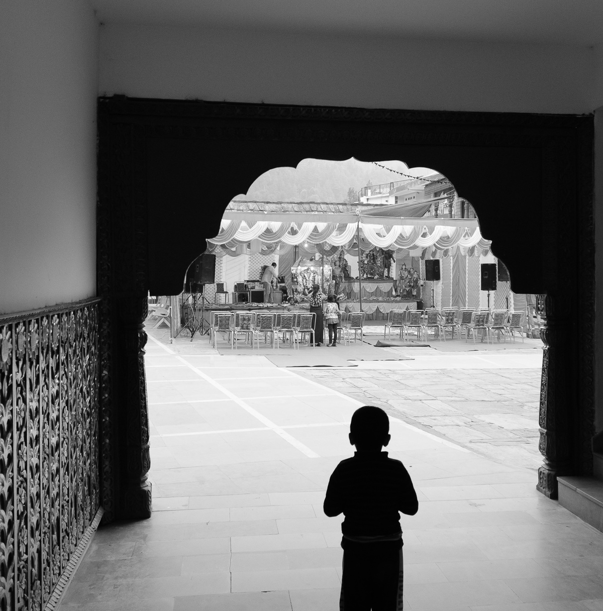 Local kid watching the preparation of a full night religious celebration at the Kali Mandir of Sarahan!
